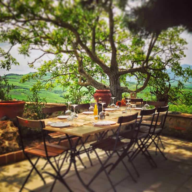 What Makes Tuscan Landscape Design So Elegant Design: Under The Tuscan Sun: 30 Outdoor Dining In Tuscany