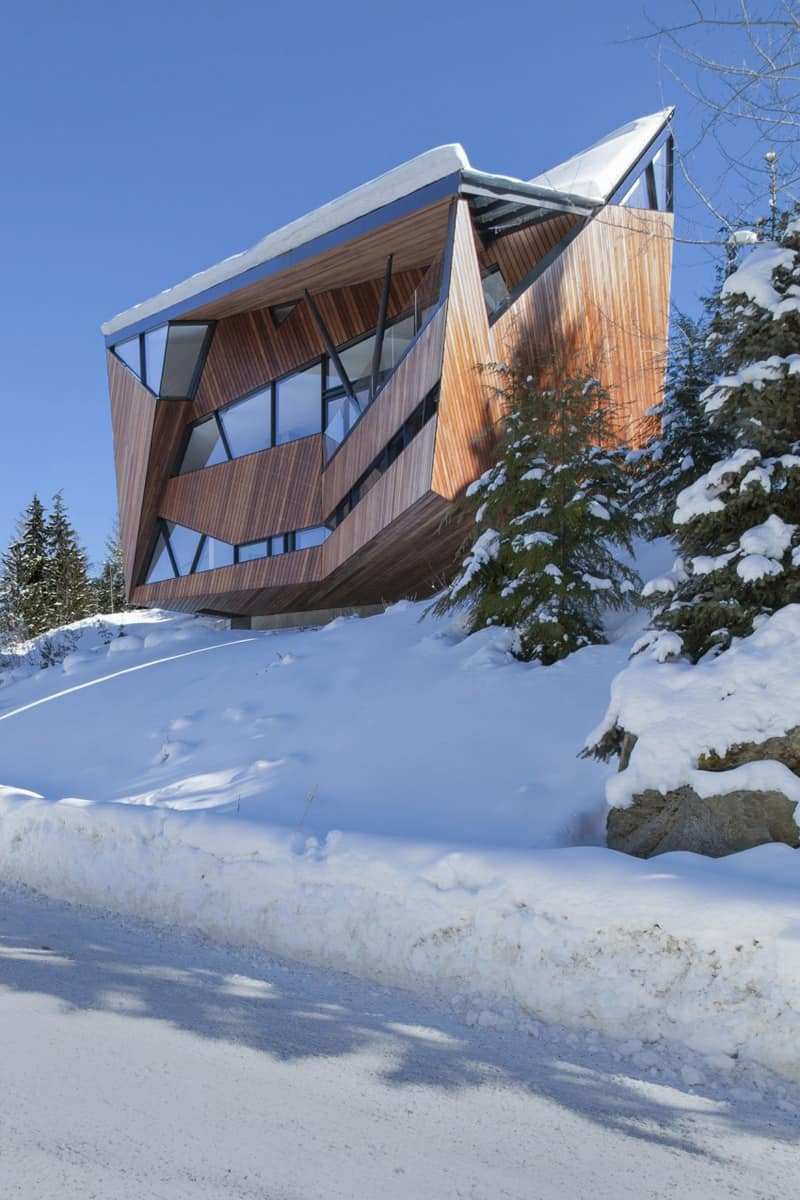 Amazing Snow Country House By Patkau Architects Canada