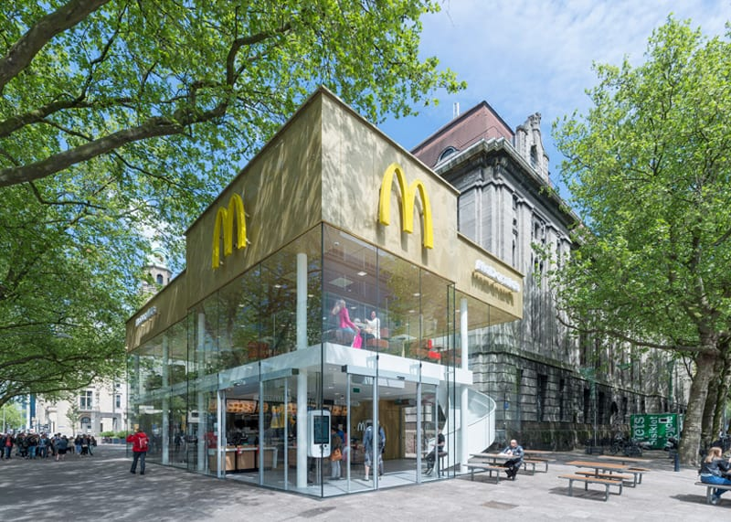 Camouflaged Into Its Surroundings McDonalds Restaurant By Mei - Camouflaged into its surroundings mcdonalds restaurant by mei architects