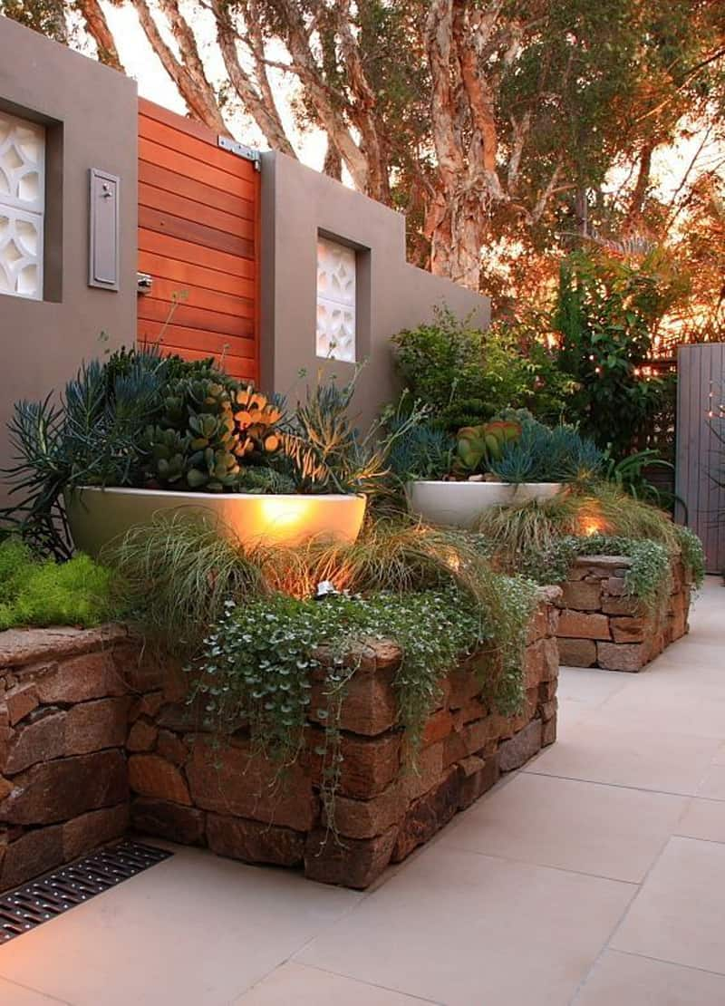 35 Beautiful Front Yard and Backyard Landscaping Ideas on Backyard Garden Design id=43015