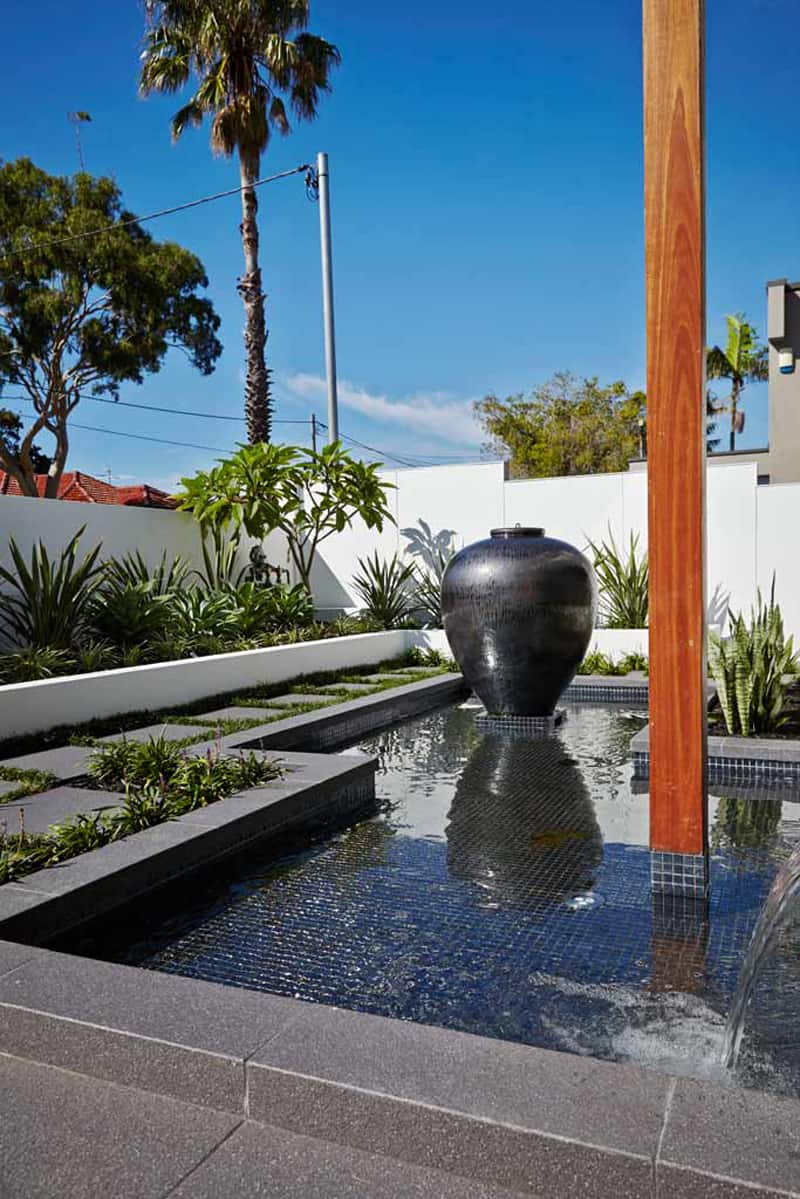 rolling stone landscapes, great outdoor spaces for a private home by rolling stone landscapes, Design ideen