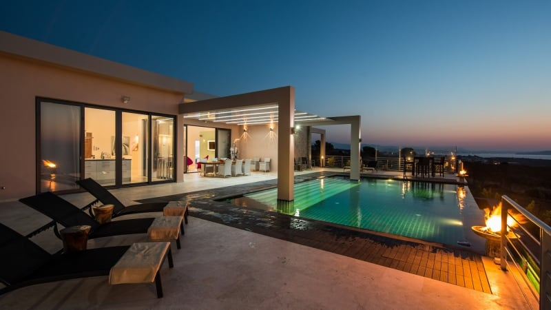 5-luxury 5 bedroom villa in western crete (1)