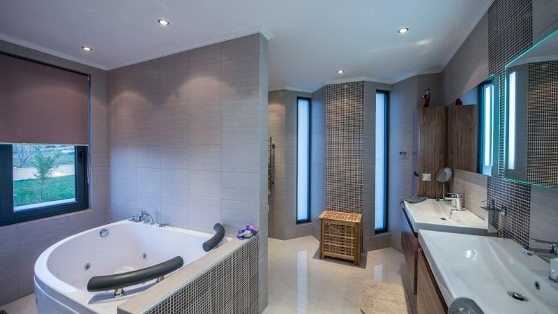 5-luxury 5 bedroom villa in western crete (11)