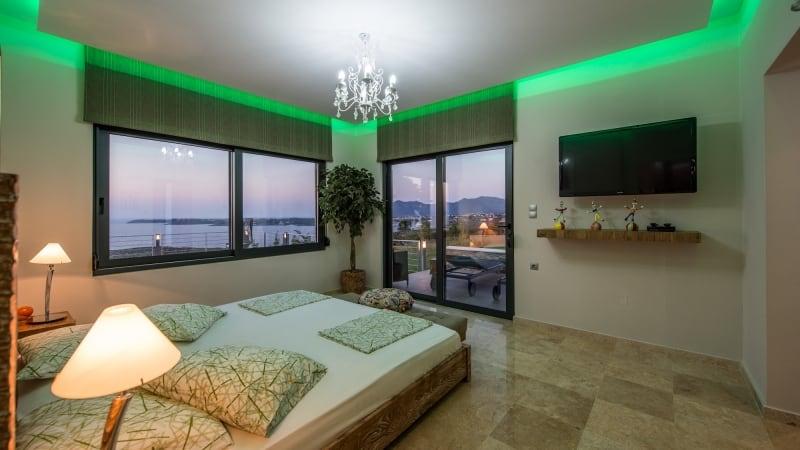 5-luxury 5 bedroom villa in western crete (12)