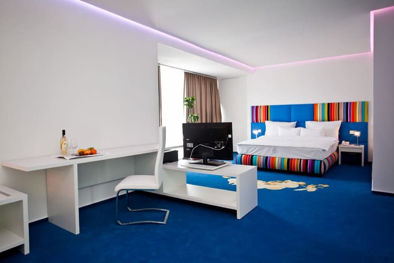 MARSHAL GARDEN HOTEL-designrulz (17)