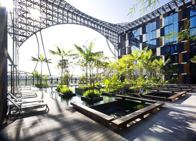 Changi Airport Swimming Pool (3)