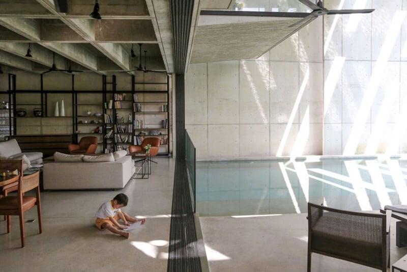 A Concrete Tropical House That Embraces The Lush Jungle