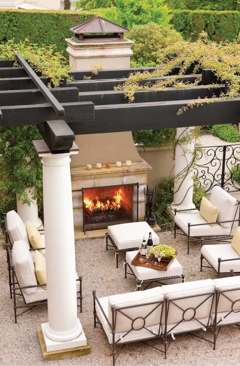 30 Lovely Mediterranean Outdoor Spaces Designs on Small Backyard Living Spaces id=71965