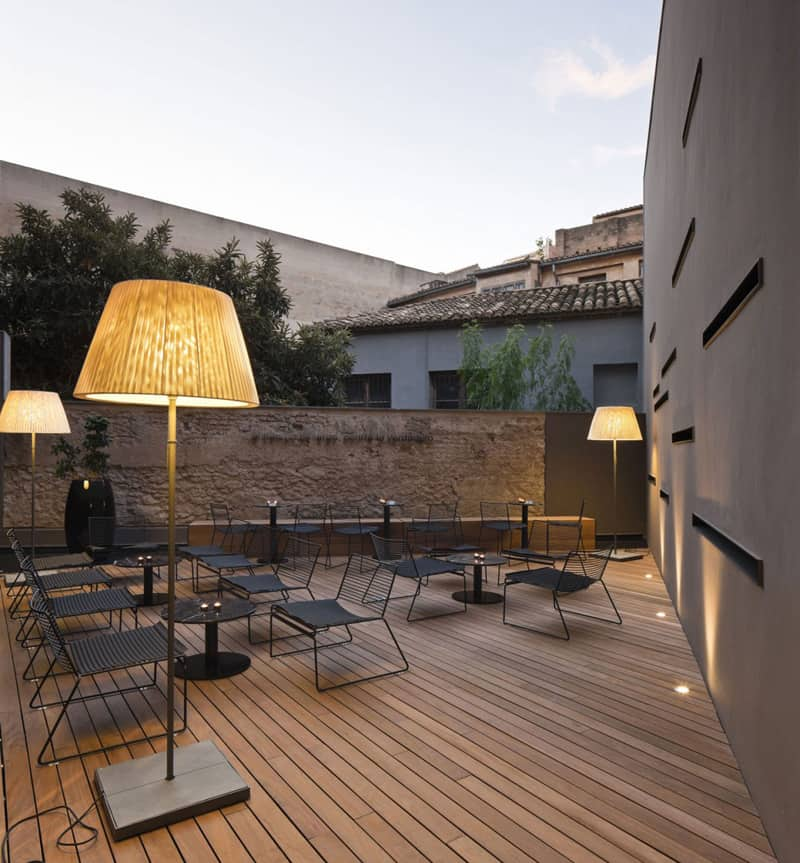 Caro hotel in valencia by francesc rif studio for Design hotel valencia