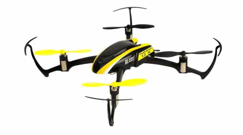01 BLADE-Quadcopter-include-transmitter-remote