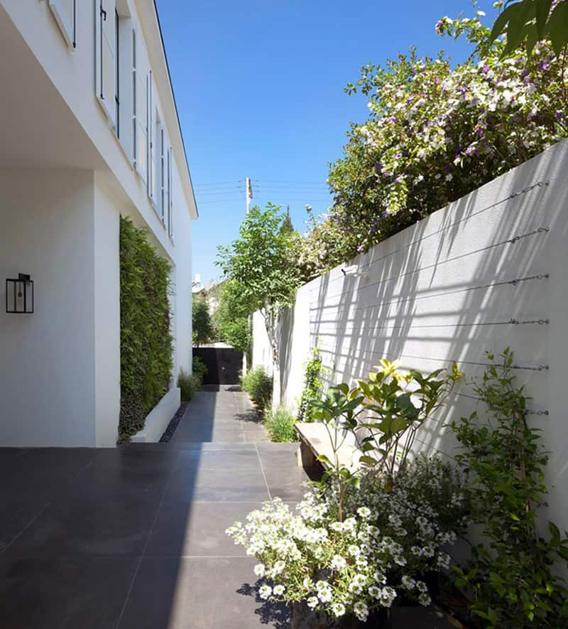 Beauty in Glass Private House in Ramat Hasharon Israel (1)