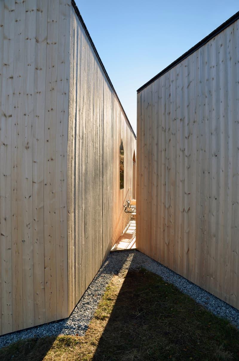 Split View Mountain Lodge-designrulz (13)