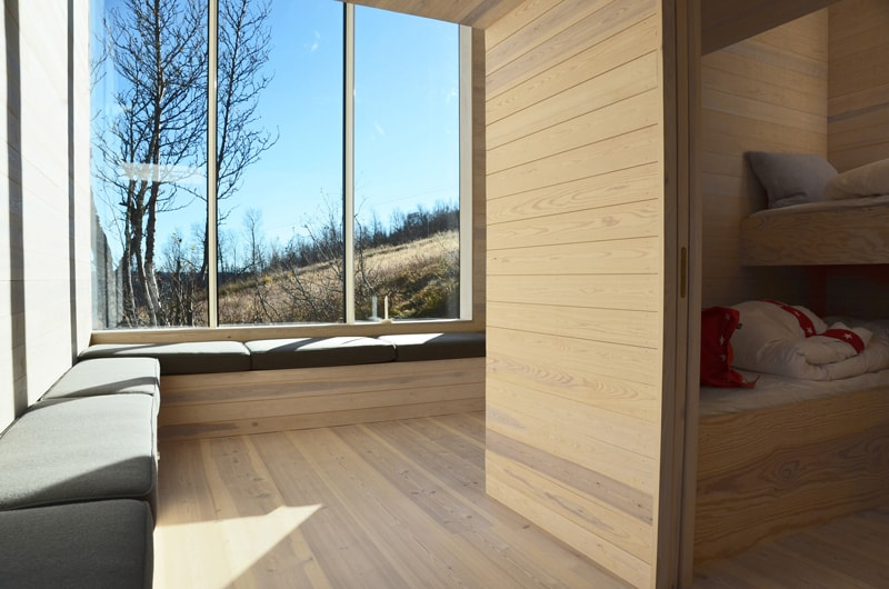 Split View Mountain Lodge-designrulz (17)