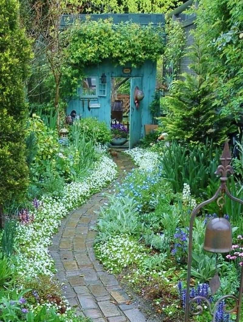 35 garden paths that take joy in the journey for Garden design 2015