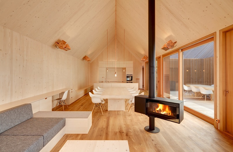 freestanding-fireplace_designrulz (7)