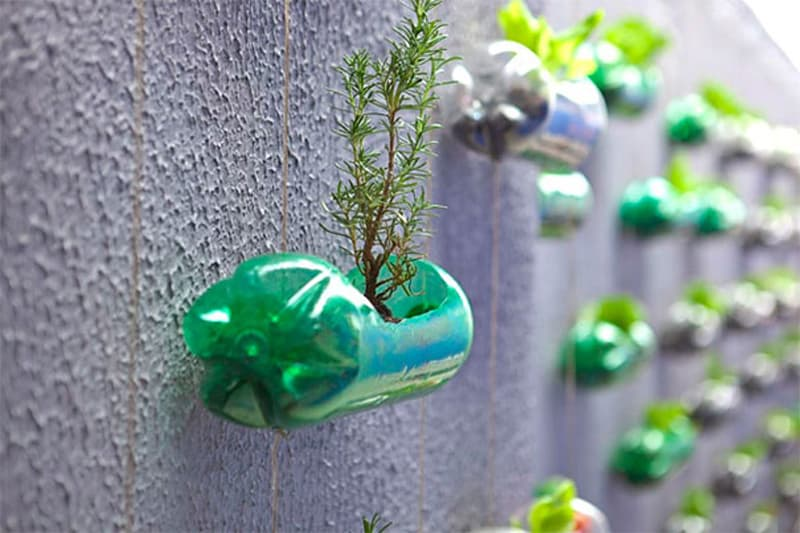 plastic-bottle-recycling-ideas-designrulz (4)