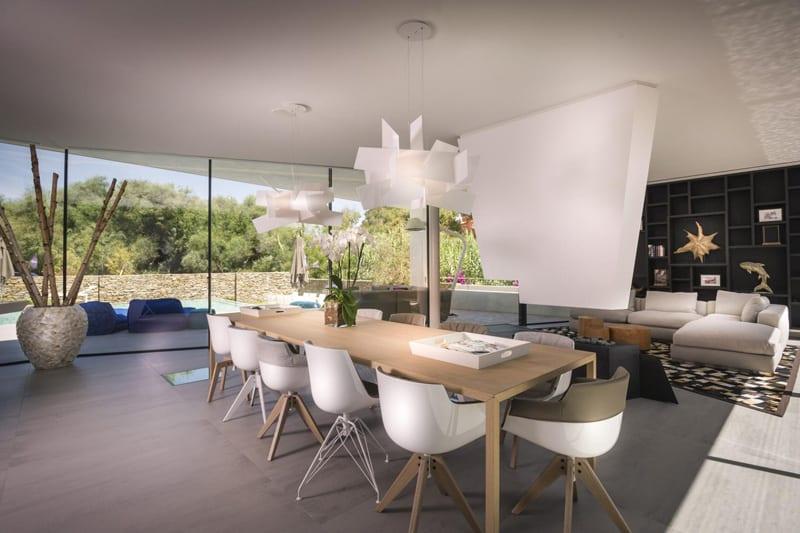 Cool beachfront villa with geometric architecture 7