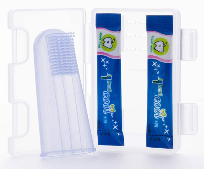 Finger Toothbrush-designrulz (1)