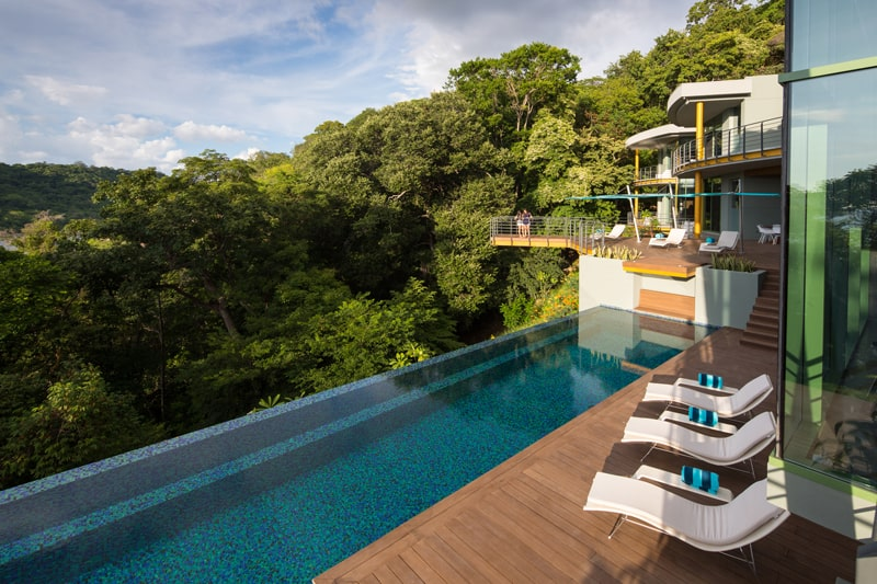 Luxury pool house with spectacular views over the bay for Pool design costa rica