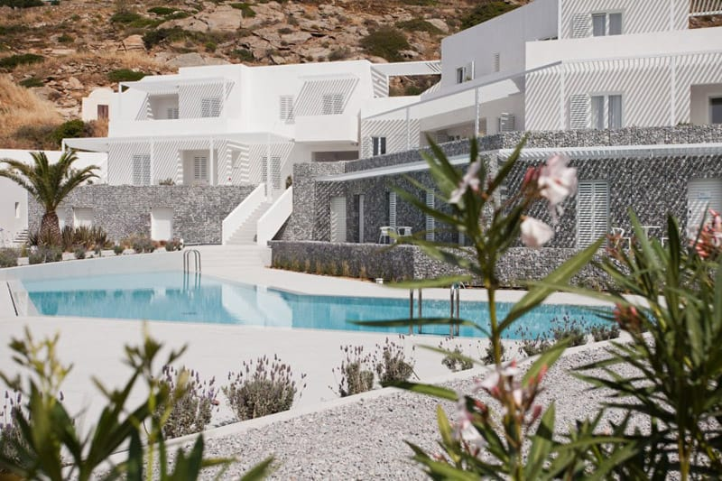 Relux-Ios-Hotel-designrulz (1)