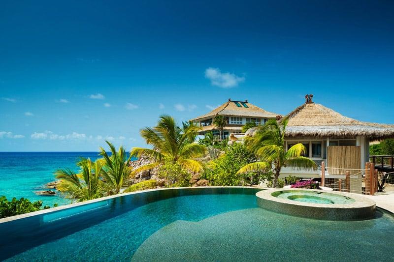 Moskito-Island-Beach-Villa-Pool-designrulz