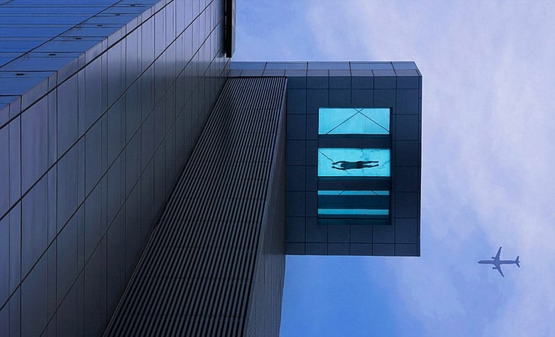 glass-bottom-swimming-pool-at-24th-floor