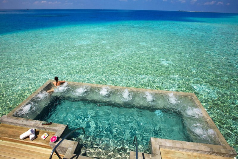 velassaru-maldives-private-pool