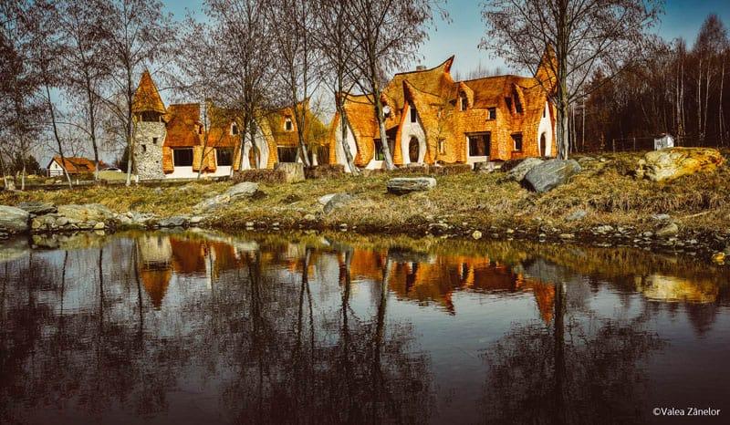 romanian-fairy-tale-lodge-designrulz (1)