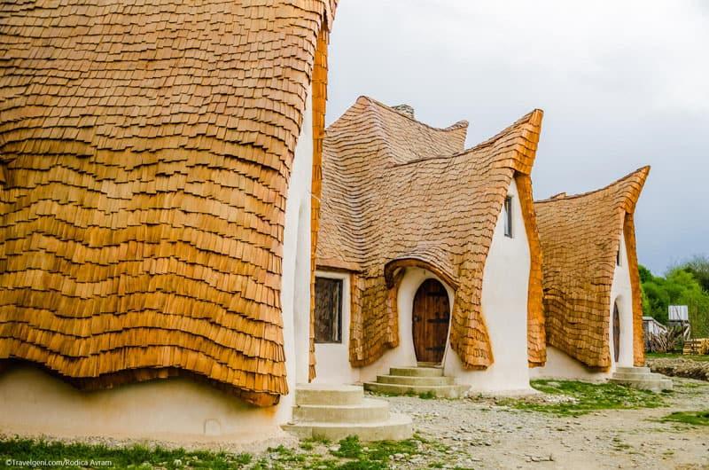 romanian-fairy-tale-lodge-designrulz (4)