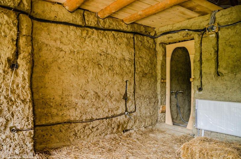 romanian-fairy-tale-lodge-designrulz (7)