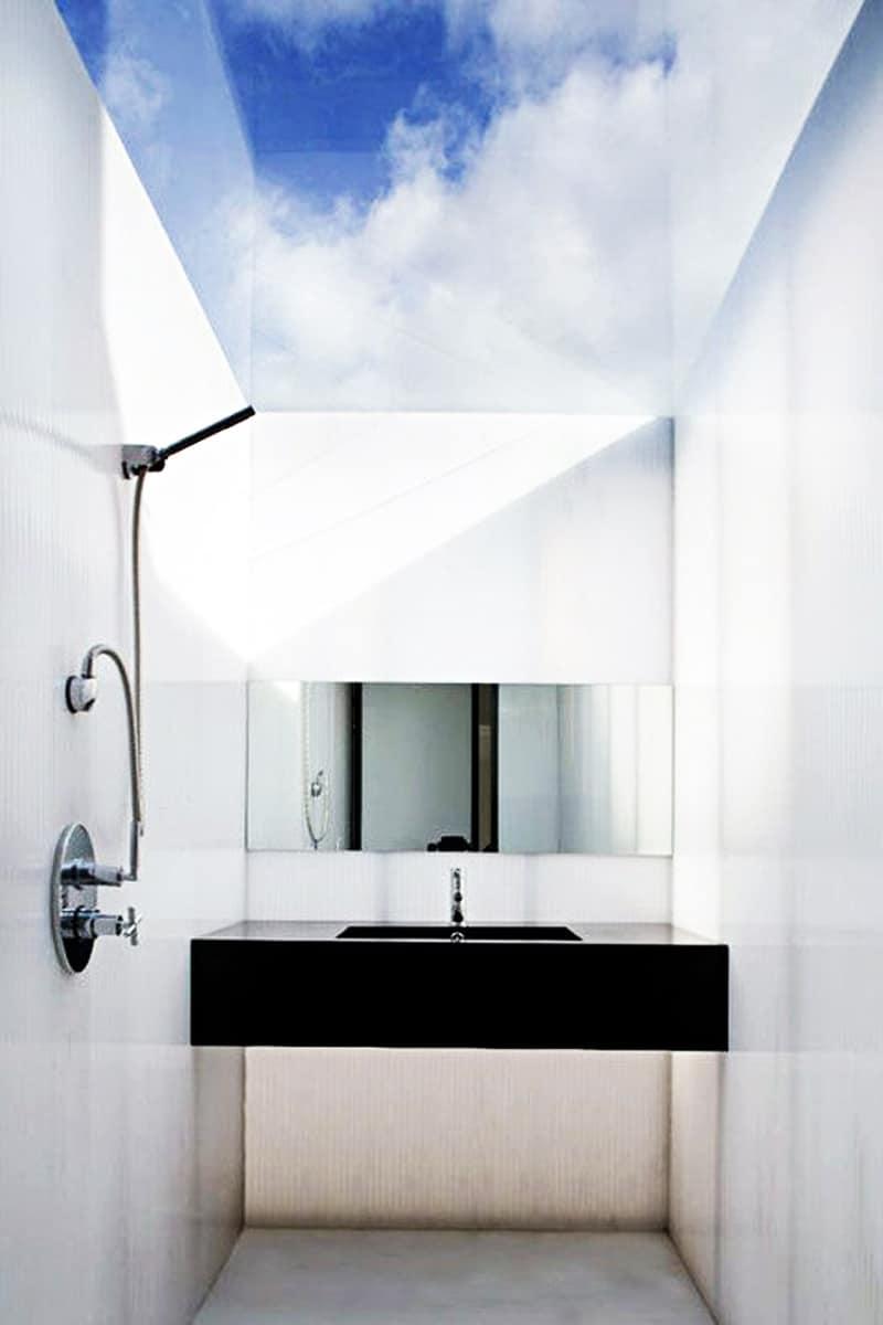 ... Skylight Bathroom Designrulz (1) ...