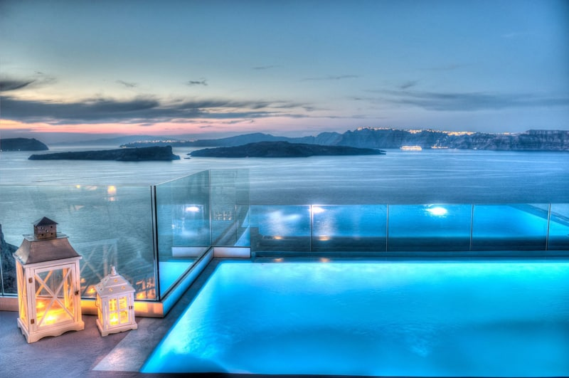 10 best hotel infinity pools in santorini. Black Bedroom Furniture Sets. Home Design Ideas
