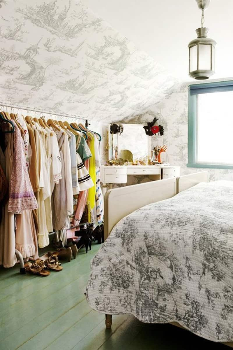 Ideas For Storing Clothes Without Closets