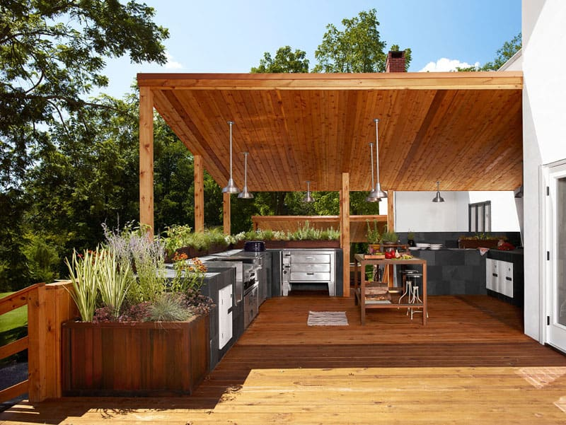Let 39 s eat out 45 outdoor kitchen and patio design ideas for Au fond du jardin saint saens