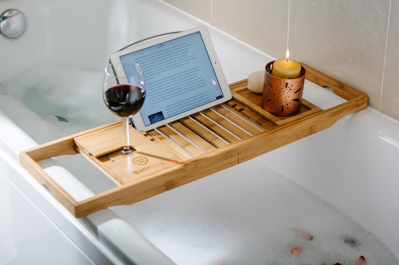 5 Bamboo Bathtub Caddies That You Can Buy Right Now