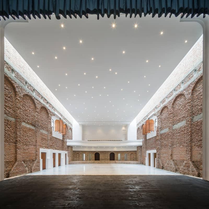 Blaj Cultural Palace-designrulz (1)