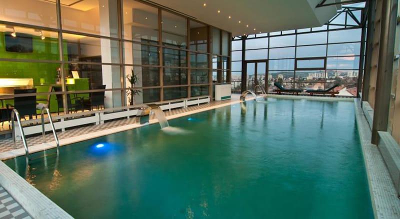 Ramada Hotel Cluj-designrulz (2)