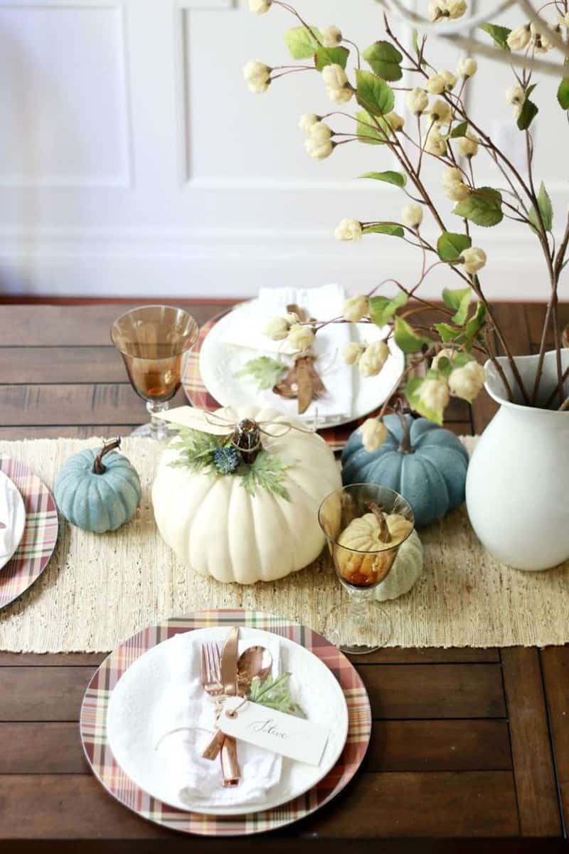 30 Charming White Pumpkin Fall Decorations For A Festive