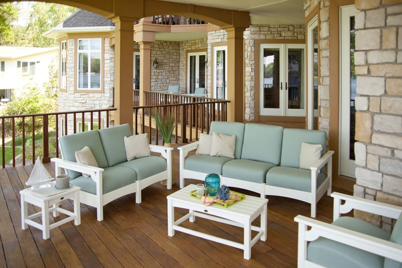 Why You Should Use Outdoor Furniture Indoors