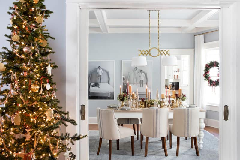 If you're serving sit-down meals this holiday season, keep your dining spaceclassic! Using the decor of adjacent rooms as a guide, keep the color scheme consistent, then amp up the elegance around the dining table toadd ambience while you entertain.