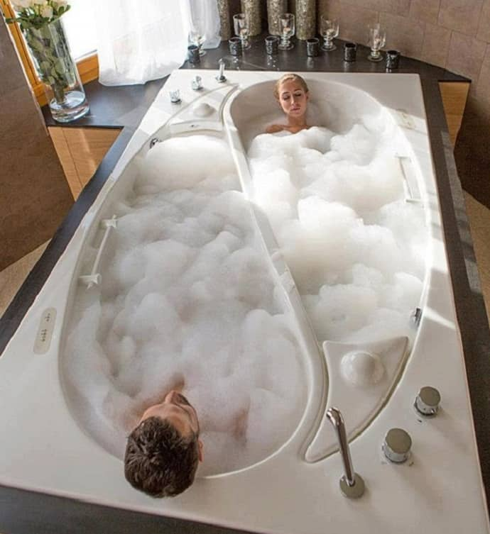 10 Bathtubs That Offer Moments Of Relaxation For Both You