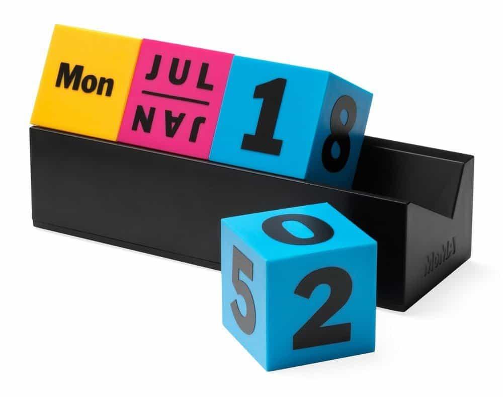Year Calendar Kikkerland : Cool gagdets keychain lightbox kikkerland axeswar design