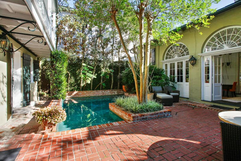 30 small pool models turn your courtyard into a paradise for Pool design new orleans