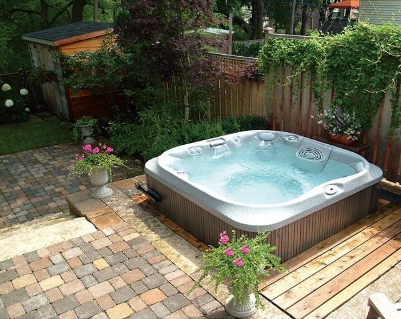 30 stunning garden hot tub designs. Black Bedroom Furniture Sets. Home Design Ideas