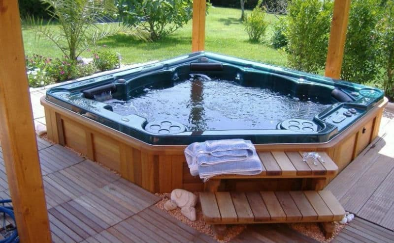 30 stunning garden hot tub designs. Black Bedroom Furniture Sets. Home Design Ideas