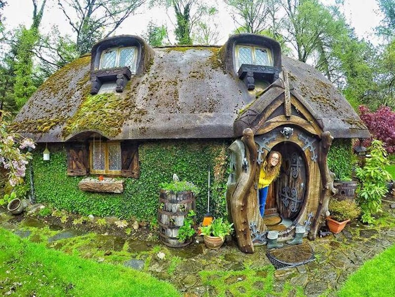 unusual and beautiful hobbit home in scotland. Black Bedroom Furniture Sets. Home Design Ideas