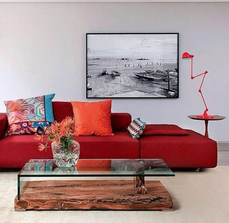 Large Living Room Design Ideas That Can Be Felt More Stylish: Adorable Red Sofas Creating A Modern Impression Of Living Room