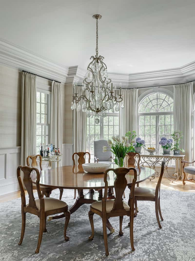 33 Dining Room Interiors with Tables Setups that will Enhance your Home