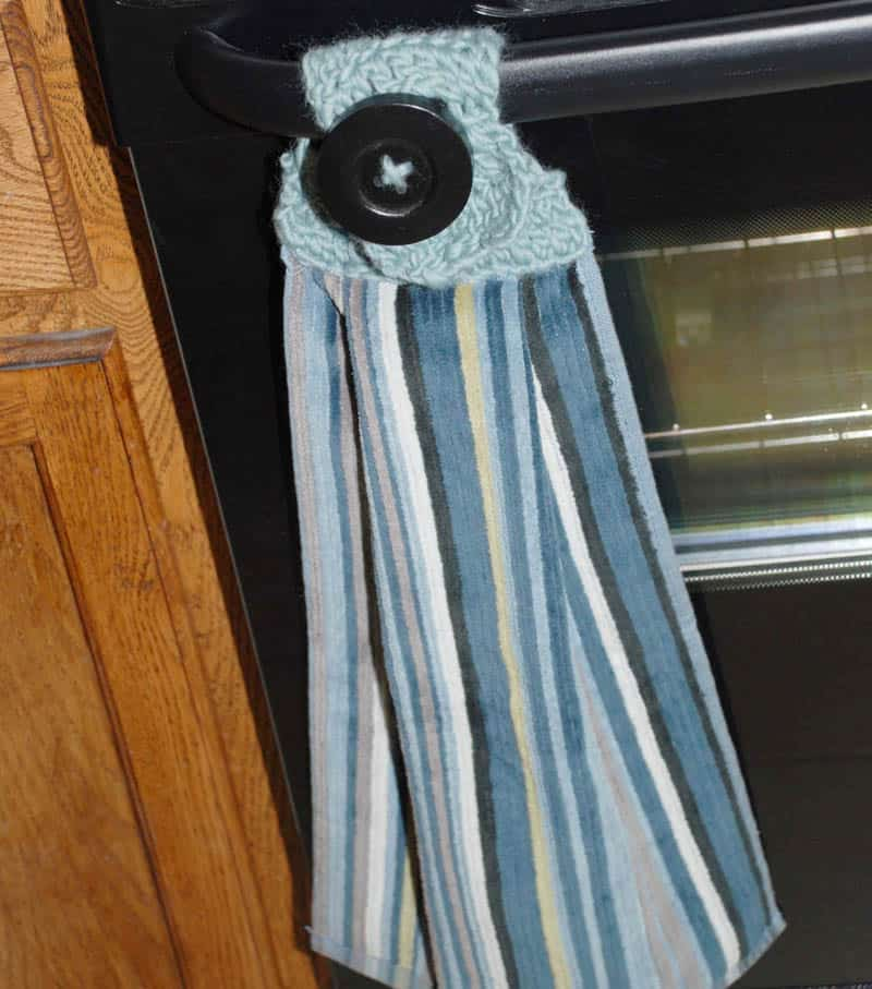 17 Examples Of Towel Holder Make The Most Of Your Kitchen