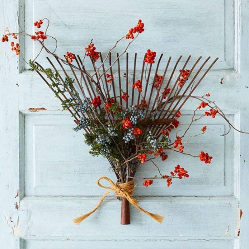 diy yarn wreath on door